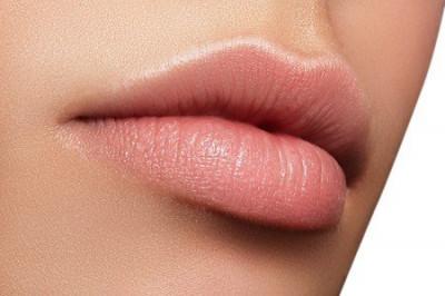 Ce qu'il faut comprendre de la cicatrisation d'un maquillage des lèvres