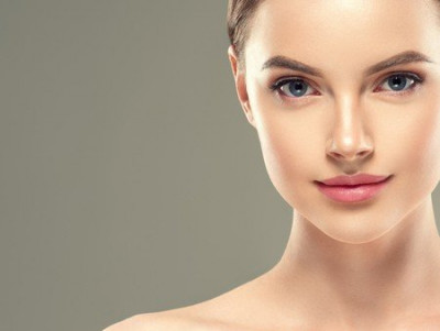 Comment effacer ou corriger un maquillage semi-permanent ?
