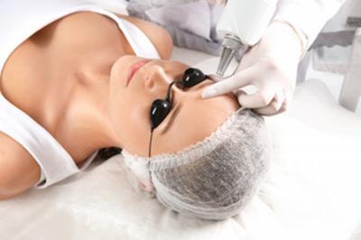 Le détatouage des sourcils . Dermographie corrective ou laser en cas de raté ?