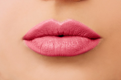Le Maquillage semi-permanent de la bouche : pour qui ?