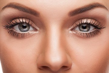 Le Maquillage Semi Permanent des Sourcils : combien de temps ça dure ?