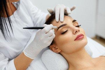 Le Maquillage Semi Permanent des Sourcils pour un résultat discret et naturel