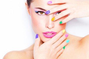 Maquillage permanent des Sourcils : économisez jusqu'à 90 € sur le Microblading !