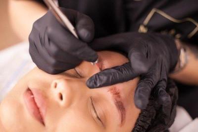 Maquillage Permanent raté : Le détatouage ou rattrapage des sourcils
