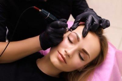 Quel est le temps de cicatrisation du maquillage semi-permanent ?