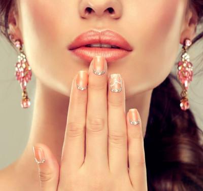Tout comprendre du maquillage semi-permanent de la bouche